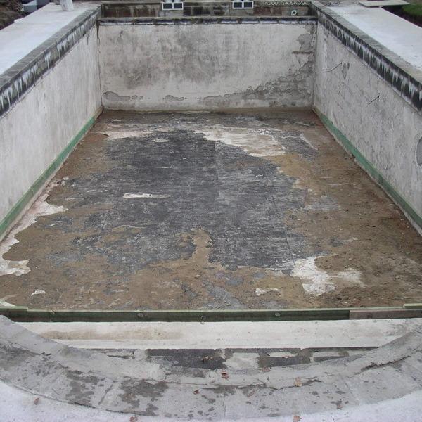 Restauration de piscine en cours de chantier